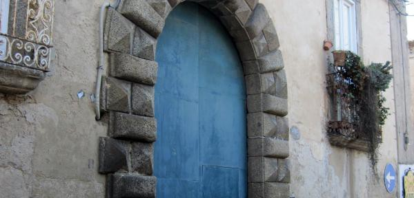 Palazzo-Bongiovanni-Toraldo:-Portale.jpg