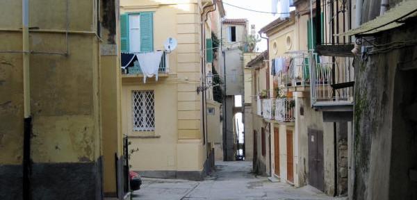 Via-e-Largo-Frezza.jpg