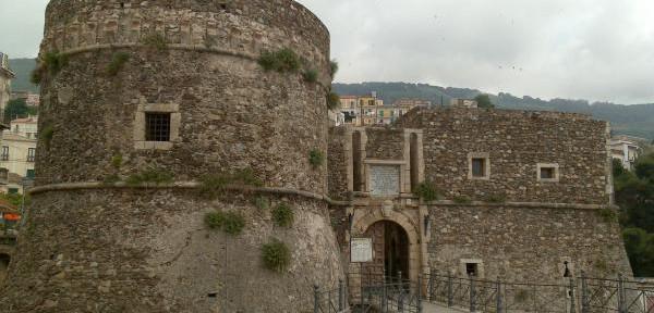 Il-castello-di-Pizzo-Calabro.jpg