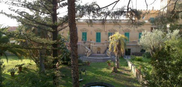 Palazzo-Toraldo-in-Via-Libertà---Tropea--.jpg