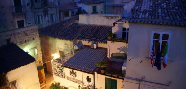 Scorcio-serale-sul-centro-di-Tropea.jpg