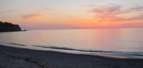 5-Maggio-2011,-tramonto-sul-mare-di-Tropea.jpg