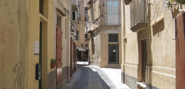 Tropea---Via-Fratelli-Vianeo-parte-finale.jpg