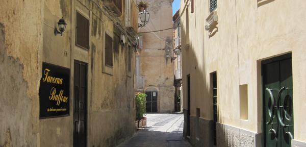 Via-Garibaldi-Tropea.jpg