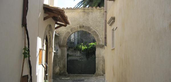 Scorcio-di-Gerace-in-Calabria.jpg