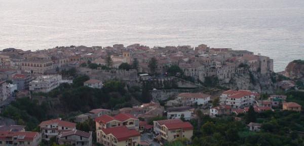 Panoramica-della-città-al-tramonto.jpg