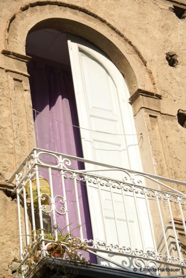 Tropea---Palazzo-Naso:-scorcio-di-balcone.jpg