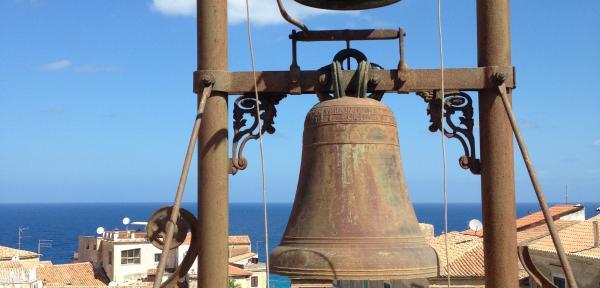 Antico-Sedile-di-Tropea:-le-campane.jpg